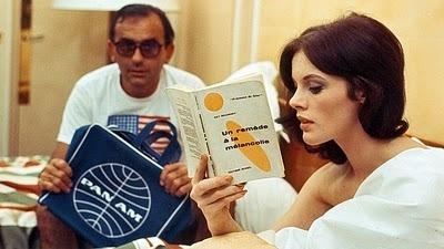 """Cena de """"2 ou 3 choses que je sais d'elle"""", de Jean-Luc Godard"""
