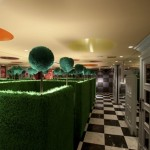 Um restaurante lúdico inspirado em Lewis Carroll