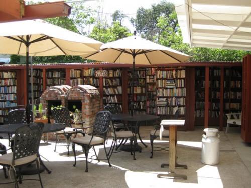 A maior livraria ao ar livre do mundo: Bart's Books, Ojai, California.