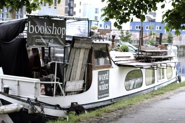 Bookshop na água