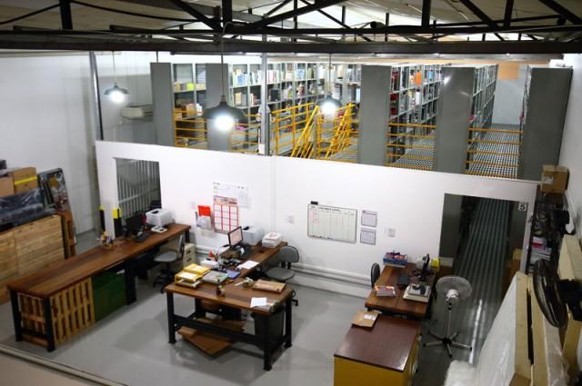 Loja depósito da Freebook na Vila São Francisco, em SP.