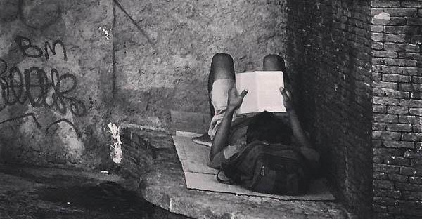 Fuga através da leitura - by Sérgio Bernardo