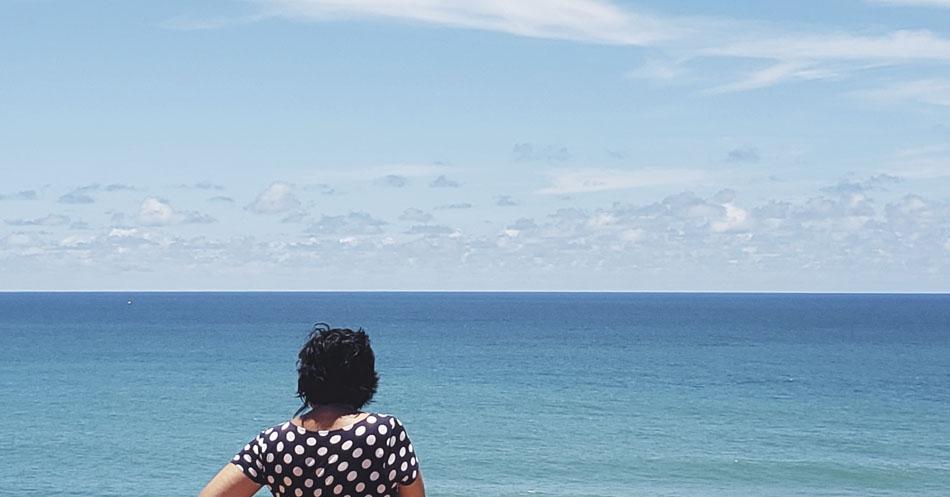 Leitura e praia - azul com bolinhas - - Pipa-RN